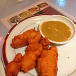 フルバリ - チキンパコラ 5個です。おいしくて写真撮る前に二つ食べちゃいました。