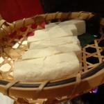 炉端美酒食堂 炉とマタギ - 味噌漬け豆腐の燻製