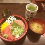 すし台所家 - マグロとネギトロ丼