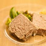 4 Seasons LDK - 3種類のお肉のテリーヌ¥680