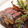 きゃんどる - 料理写真:和牛芯芯肉とハンガリー産フォアグラのポワレと玉葱のロースト添え