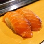 栄寿司 - 2015.3 サーモン(1貫110円)