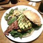 炭火焼ハンバーガー&ステーキ チェリーズ -