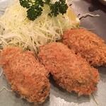 かつ銀 - 季節ものなので食べておかねば。ということで牡蠣フライです。ジューシーでございました。ご馳走様でした。