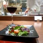 鉄板ラウンジ 旬 - サラダとワイン〜
