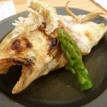 道下 - 焼物:徳島白甘鯛塩焼き、長崎グリーンアスパラ共地蒸し