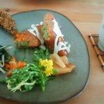 四季彩茶屋 葉菜  - ローフード メインはナッツロールです。