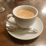 ビストロ・ポワソン・ルージュ - セットのコーヒー