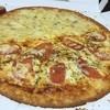 ツーウェイピザ - 料理写真:クアトロフォルマッジ マルゲリータ ハーフandハーフ いつでもピザ半額( •̀ᄇ• ́)ﻭ✧