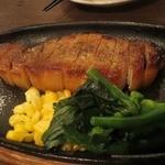 洋食かつ 兎 - 自家製スモークステーキ