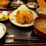 美松 - カキフライ(900円)の定食セット(小ごはん+550円)