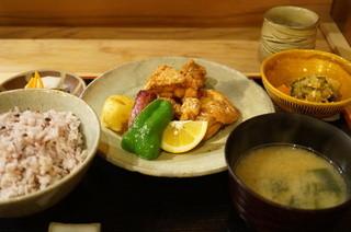 美松 - 鶏の立田揚(750円)の定食セット(+600円)
