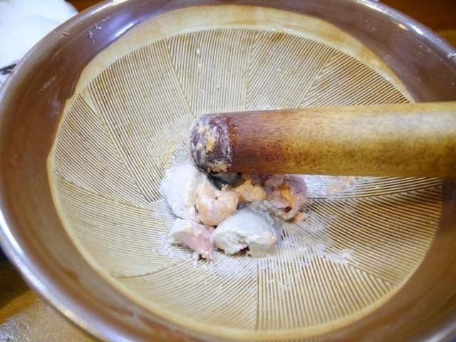 寿し割烹かま家 - あんこう鍋は生あん肝をすりおろして入れるスタイル