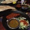 RAJU  - 料理写真:野菜のカレー、タンドリーチキン、ナン&ごはん、サラダ、ドリンクのセット