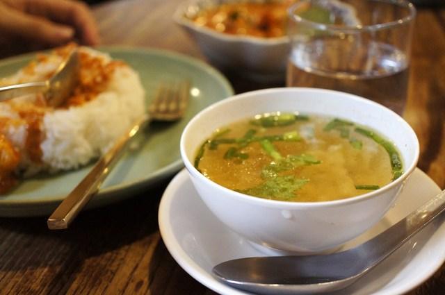 カフィアライム - カレーのスープ