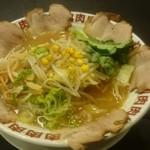 特製ラーメン武蔵丸 - 加賀野菜入り金沢ラーメン 780 円