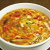 たっぷり野菜の酸辣湯麺