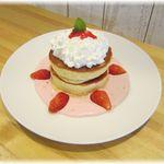 ブリーズ カフェ - 季節限定 いちごのパンケーキ