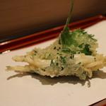 てんぷら 近藤 - 白魚の大葉巻