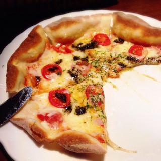 バー フォンテンブロー - 和食の後の二軒目だったので 真っ先にチーズ系を欲し マルゲリータ‧˚*(¤̴̶̷́ॢω¤̴̶̷̀ॢ๑)₊.