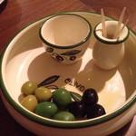 ワインバル 407 - 4,000円の飲み放題コース料理