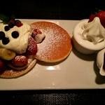 36308350 - いちごのパンケーキ
