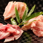 炭福重々 - 料理写真:豚三種盛り