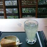 堅香子 - 柚子スカッシュ&チーズケーキ
