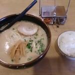 こうしゅう - 料理写真:ニラなんばんらーめん 790円+小ライス 90円