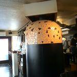 Pizzeria Bar Trico - 窯がある、どか~ん!