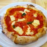 窯焼ピッツァと鉄板焼 はるばる - マルゲリータ