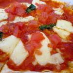 窯焼ピッツァと鉄板焼 はるばる - マルゲリータアップ