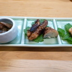 すし萬 - 先付け3種 なまこ酢 飯蛸 鯛の子