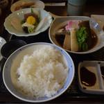 36320876 - 本日の魚ランチ(あら煮)