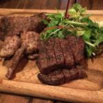 36324245 - 肉3種類!メインです!酔っていて、説明されましたがどれが何の肉か分かりませんがお皿右下のステーキが美味でした!