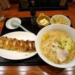 咲々餃子 - 料理写真:汁ビーフン定食餃子セット¥800(ライスぬき価格・通常¥950)