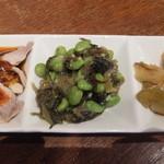 台南担仔麺 - 前菜三点盛り