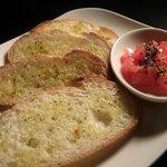 ハイライフ - ■トマトのブルスケッタ:ガーリックトーストの上に新鮮なトマトをのせました!!
