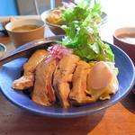 36330627 - 茹で鶏のせご飯(1000円)
