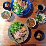 36330630 - 茹で鶏のせご飯(1000円)