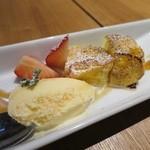 シェフズキッチン ポルナレフ - フワッフワのフレンチトースト メイプルソース