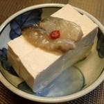 湧水の里 - もめん豆腐;鰊切込(かね丁鍛冶;辛口)を載せて.以前より甘味が増した様な... @2015/03/23