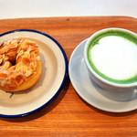 ミサキ ドーナツ - りんごドーナツ&抹茶オレ