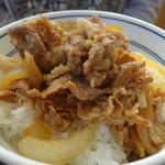 吉野家 - 料理写真:牛小鉢はすかさず牛丼に~