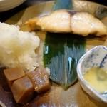もりと - (2015/2月)日替り焼魚定食の鰆と蒟蒻と大根おろし