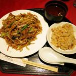 ヌーベルシノワ一品香 - 上海焼きそば+ミニ炒飯のセット 972円