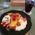 36360889 - 苺のコンフィチュールのフレンチトースト+アイスコーヒーのセット\1,250
