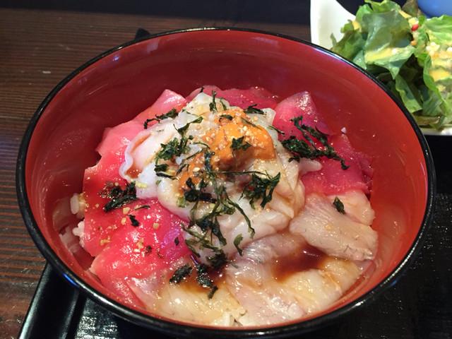 北地蔵 - 北地蔵 海鮮丼アップ  2015年3月