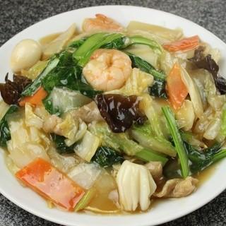 ボリュームたっぷりの中華料理をご堪能いただけます♪