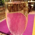 Resutoranyamanekoken - アペリティフにシャンパンを